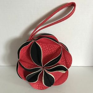 Chic Red and Black Small Flower Shaped Purse